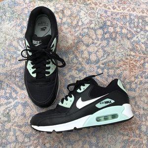 Nike air max 90 black summit white